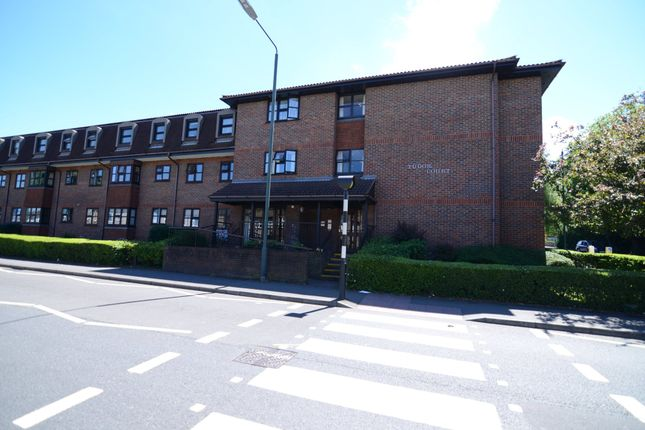 Thumbnail Flat for sale in Hatherley Crescent, Sidcup