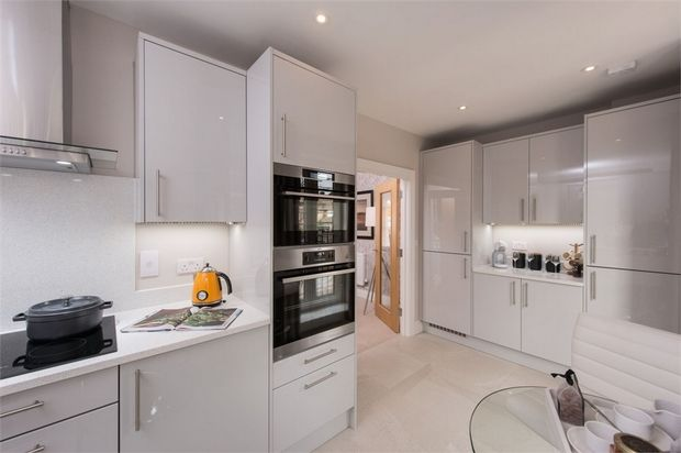 Thumbnail End terrace house for sale in London Road, Isleworth
