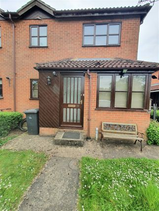 Thumbnail Terraced house for sale in The Fairways, Scunthorpe