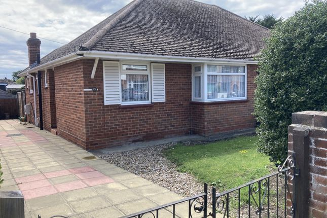 Thumbnail Bungalow to rent in Stanley Road, Broadstairs