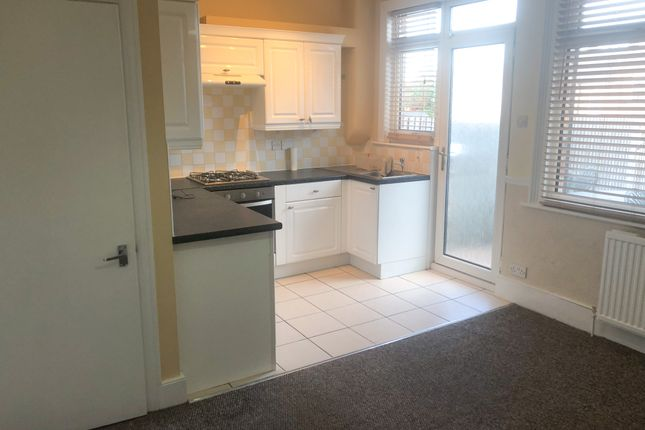 Thumbnail Terraced house to rent in Park View Crescent, London
