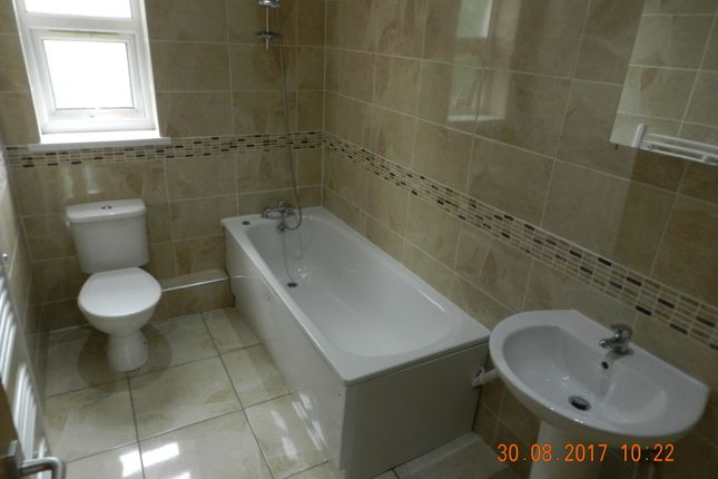 Thumbnail Flat to rent in 15 Richmond Crescent, Cardiff