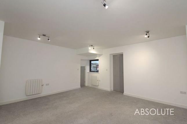 Thumbnail Flat to rent in Strand Hill, Dawlish