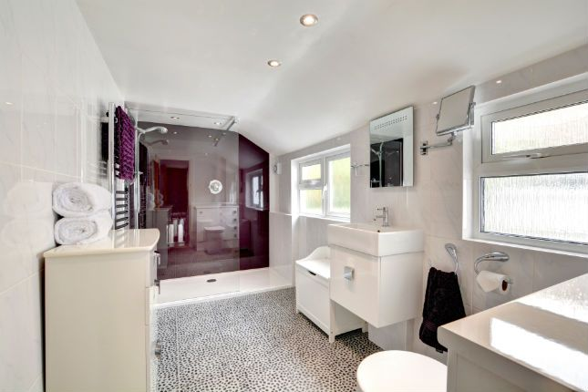 Bathroom of Kemp Street, Brighton BN1