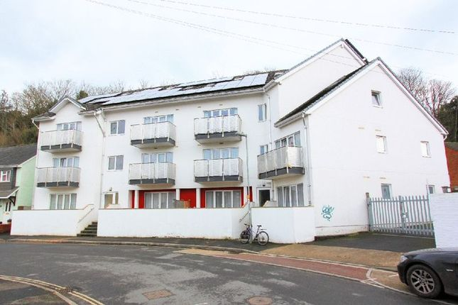 Thumbnail Flat to rent in Apollo House, 71 Looe Road, Exeter