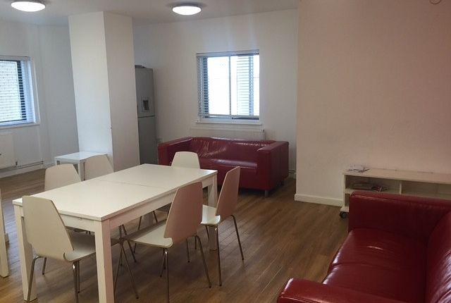 Thumbnail Property to rent in Carlton House, Carlton Place, Southampton