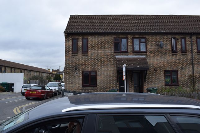 Thumbnail Terraced house for sale in Oliver Road, London