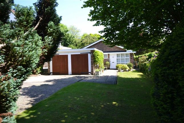 Thumbnail Bungalow for sale in Parkgate Avenue, Hadley Wood, Hertfordshire