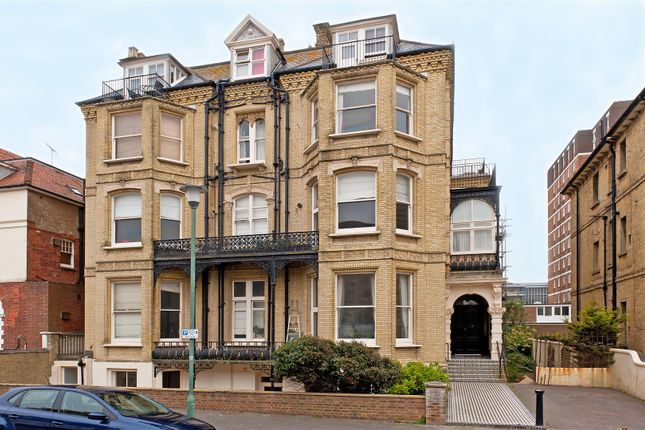 Thumbnail Flat to rent in Third Avenue, Hove