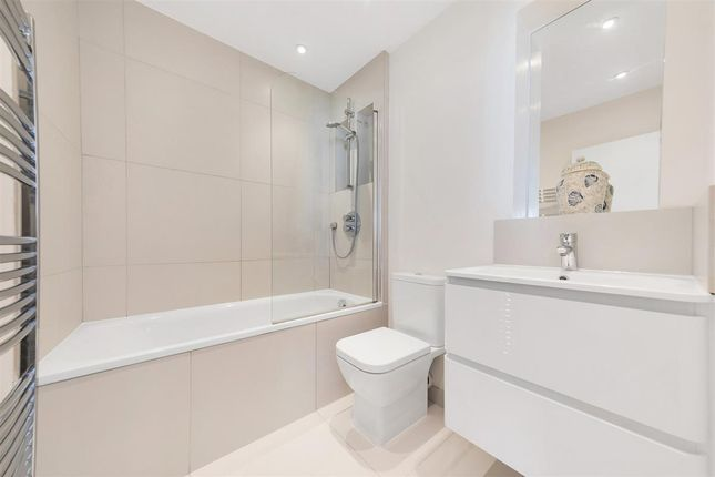 Bathroom of Leathwaite Road, London SW11