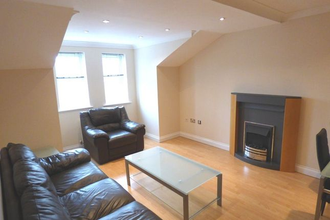 Thumbnail Flat to rent in Devonshire Road, Altrincham