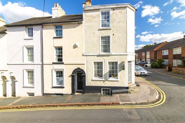 Thumbnail Flat for sale in Nightingale Road, Faversham