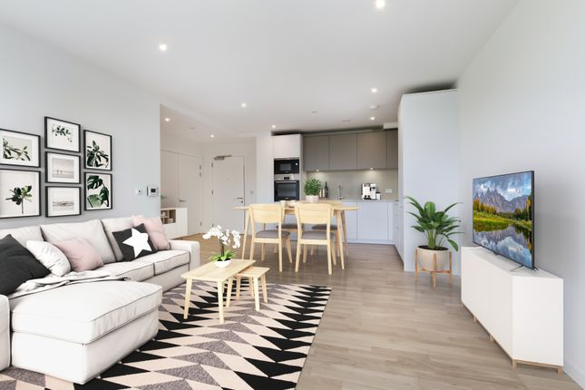 Thumbnail Flat for sale in 4 Station Square, Cambridge
