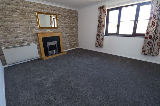 Flat to rent in Hill House Court, Chapel Road, Brightlingsea, Colchester
