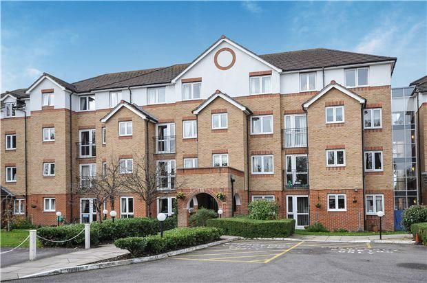 Thumbnail Flat for sale in Cranley Gardens, Wallington