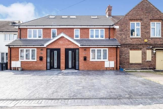 4 bed terraced house for sale in Kingsley Road, Ilford IG6