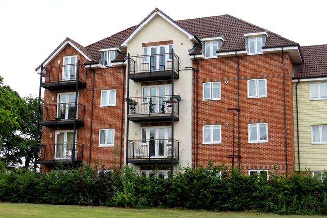Thumbnail Flat for sale in Hut Farm Place, Chandlers Ford, Eastleigh