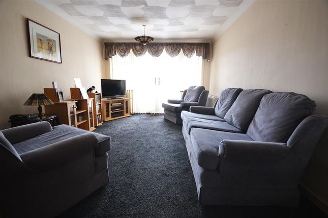 Thumbnail Terraced house to rent in Camden Close, Chadwell St. Mary, Grays