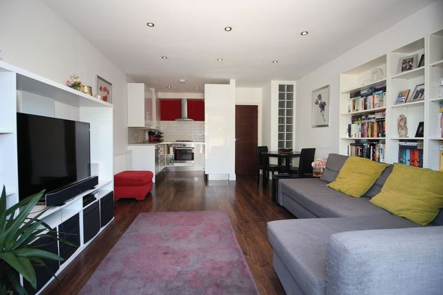Thumbnail Flat for sale in St. Johns Road, Sidcup