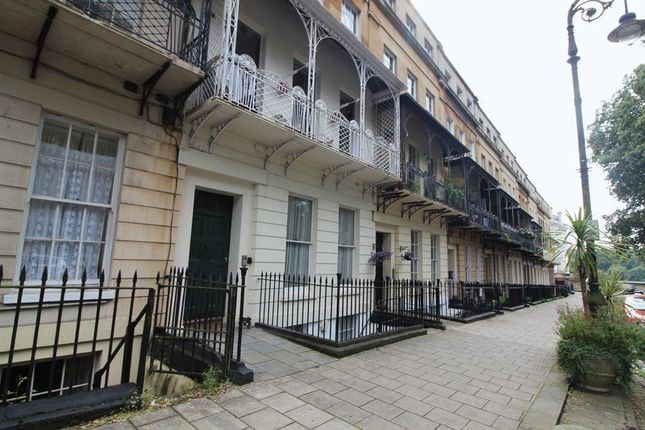 Thumbnail Flat to rent in Caledonia Place, Bristol