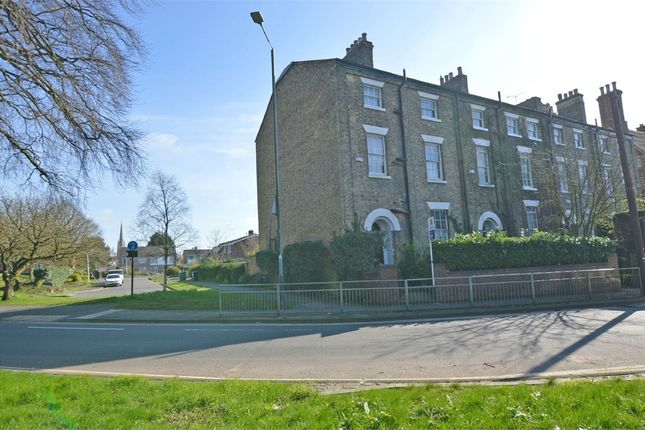 Thumbnail End terrace house for sale in Bilton Road, Town Centre, Rugby, Warwickshire