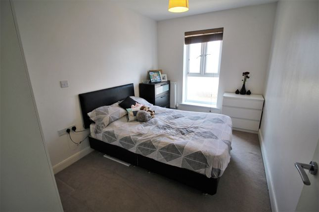 Bedroom One of Englefield House, Moulsford Mews, Reading RG30