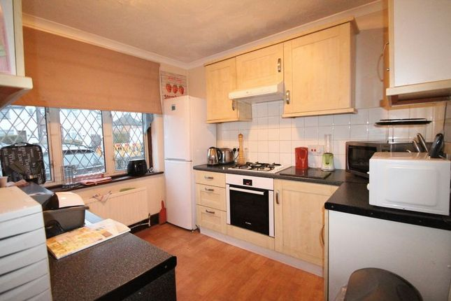 Thumbnail Room to rent in Pinewood Avenue, Uxbridge