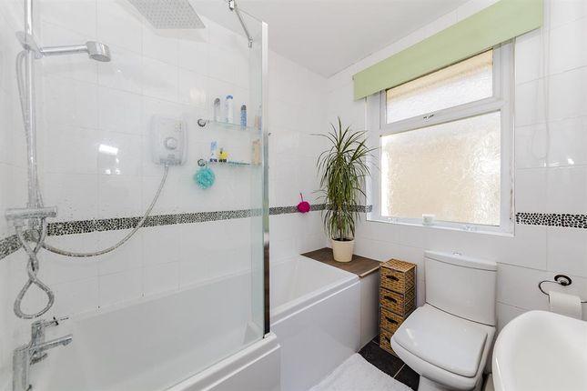 bath road worthing west sussex bn11 3 bedroom