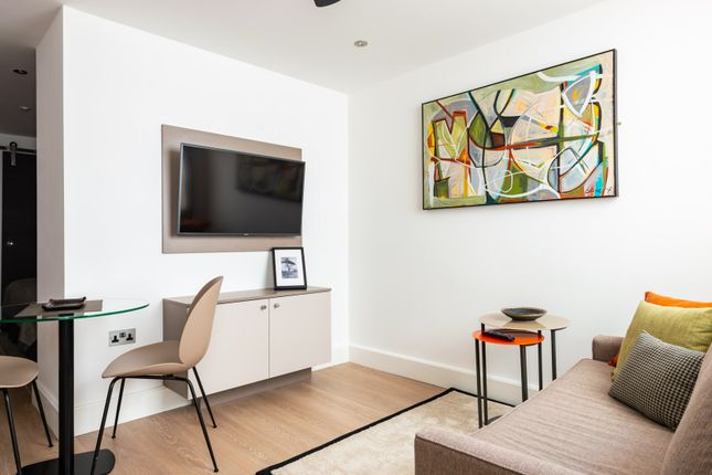 Flat to rent in Holborn, London