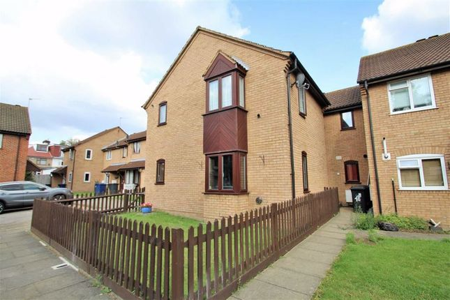 Studio for sale in Lyric Drive, Greenford, Middlesex UB6