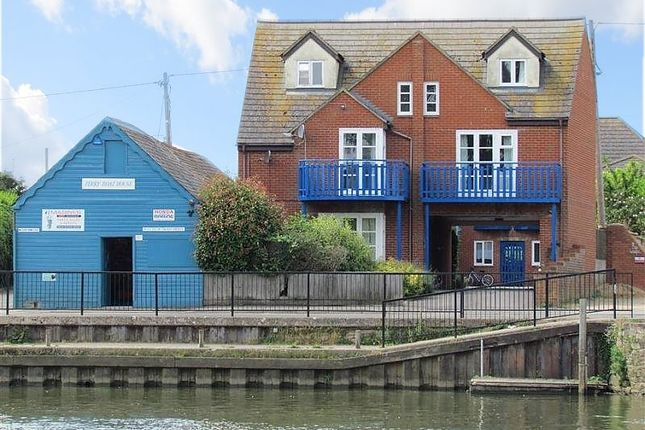 Thumbnail Flat to rent in Ferry Court, Wilsham Road, Abingdon-On-Thames