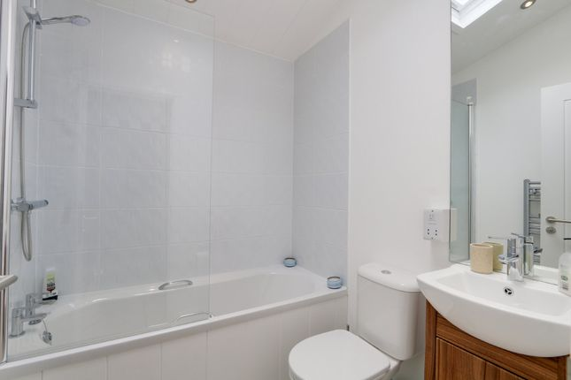 Bathroom of Torquay Road, Shaldon, Teignmouth TQ14