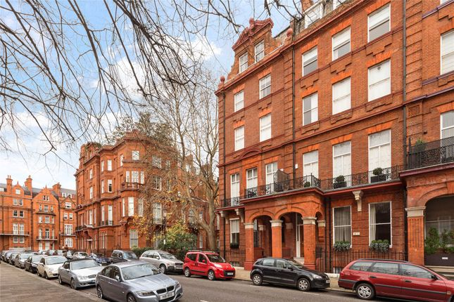 2 bed flat for sale in Cadogan Square, Knightsbridge, London