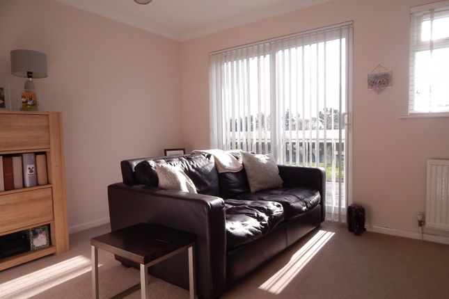 Thumbnail Town house to rent in Royal Sovereign View, Eastbourne