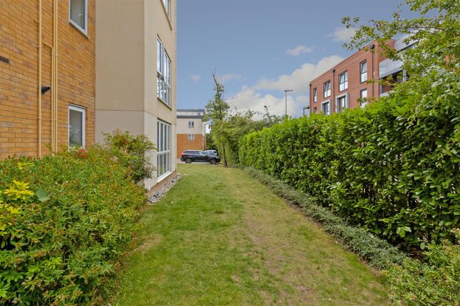 Communal Gardens of Todd Close, Borehamwood WD6