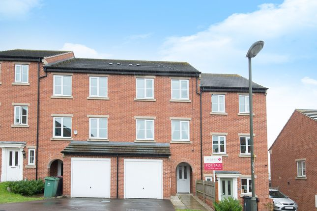 Thumbnail Town house for sale in Northcote Way, Doe Lea, Chesterfield