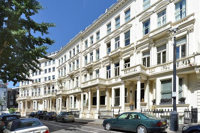 2 bed flat for sale in Earls Court Square, Earls Court, London