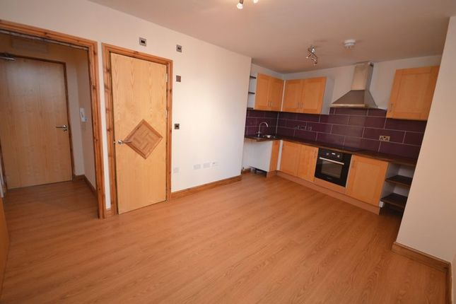 Thumbnail Flat to rent in Gillygate, Pontefract