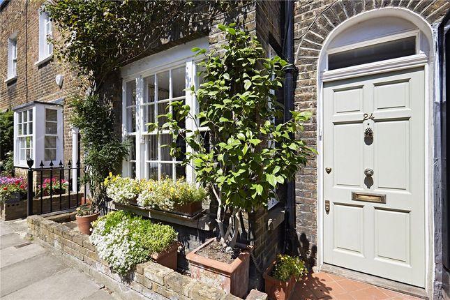 Thumbnail Terraced house for sale in Edge Street, Kensington, London