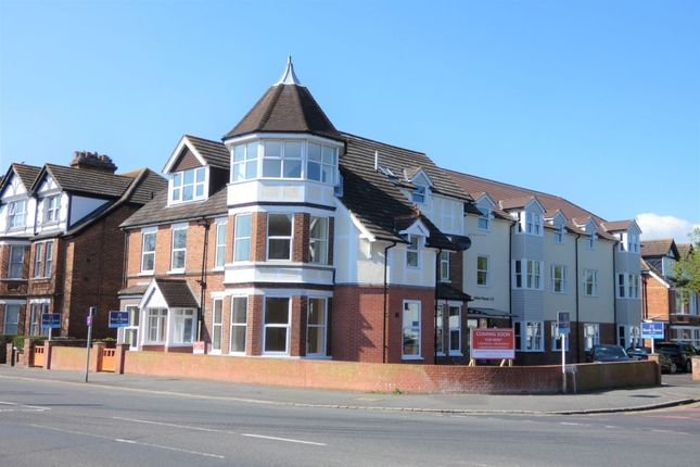 Thumbnail Flat to rent in Cheriton Road, Folkestone