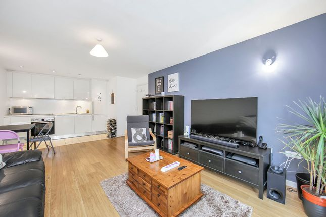 Thumbnail Flat for sale in Chadwell Lane, London