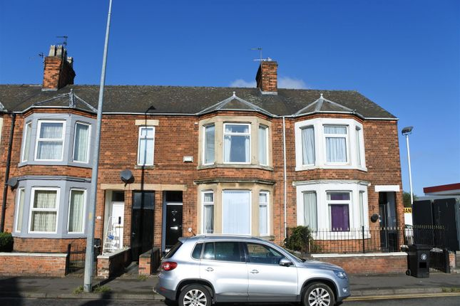 Thumbnail Terraced house for sale in Harlaxton Road, Grantham