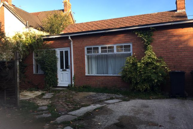 Thumbnail Bungalow to rent in New Road, 0Lu
