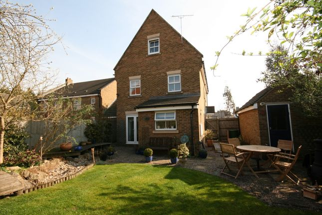 Thumbnail Detached house to rent in Stroud Close, Banbury