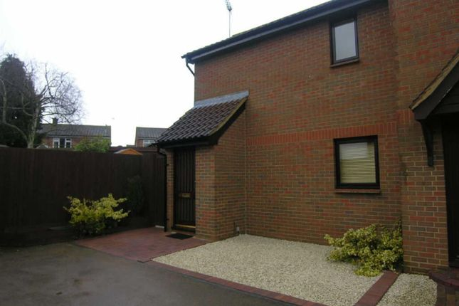 Thumbnail End terrace house to rent in Russell Road, Toddington, Dunstable