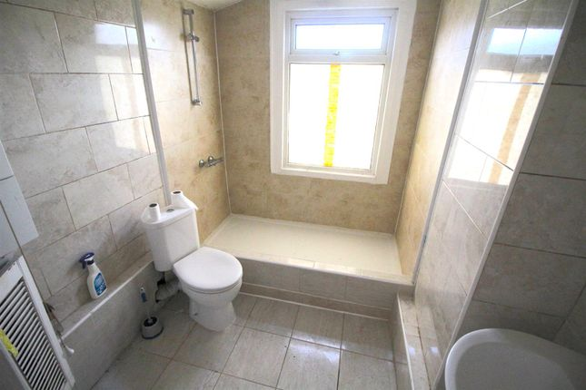 Thumbnail Terraced house to rent in Tramway Avenue, Edmonton