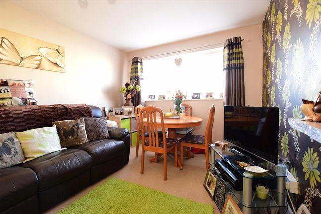 Lounge of Carisbrooke Road, Newport, Isle Of Wight PO30