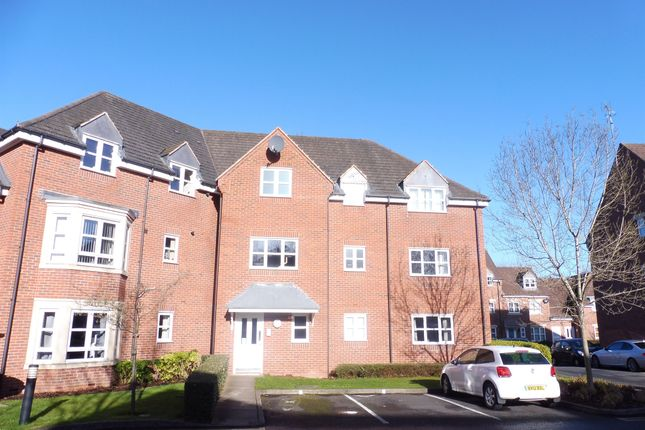Thumbnail Flat for sale in Middlewood Close, Solihull