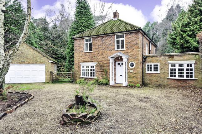 5 bed detached house to rent in Woodlands Ride, South Ascot SL5
