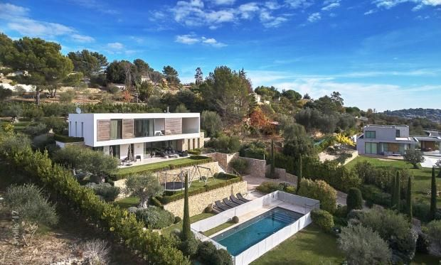 Thumbnail Property for sale in Châteauneuf-De-Grasse, French Riviera, 06740